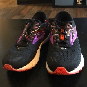 BROOKS Adrenaline GTS 19 size 10D (WIDE)
